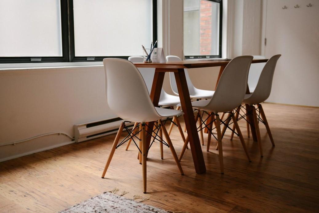 table_unsplash